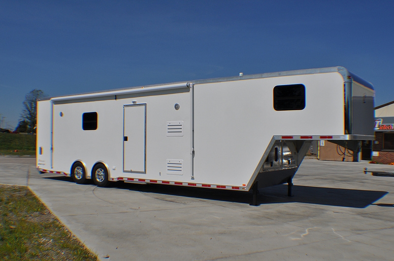 38 Intech Trailers Living Quarters Trailer Rpm Trailer